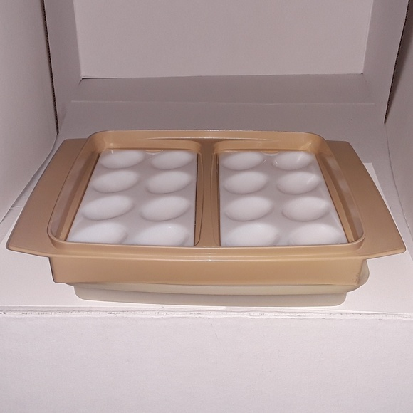 Tupperware Other - Vtg. Tupperware deviled egg keeper - GUC